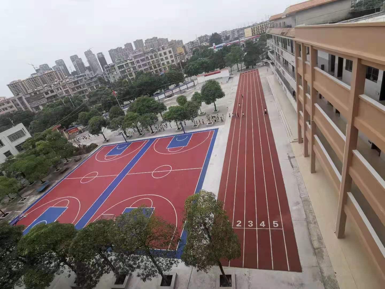 防城港公车镇中心小室外PVC塑胶篮球场