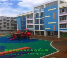 鹿寨机关幼儿园6000平方米PVC地板施工结尾工程案例