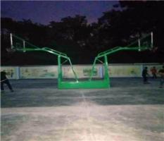 柳州卫校篮球架安装调试完毕