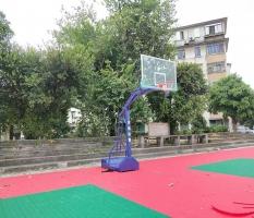 来宾实验高中移动篮球架安装