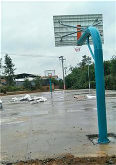 广西桂林临桂五通镇浔江村委杨梅村-地埋式篮球架