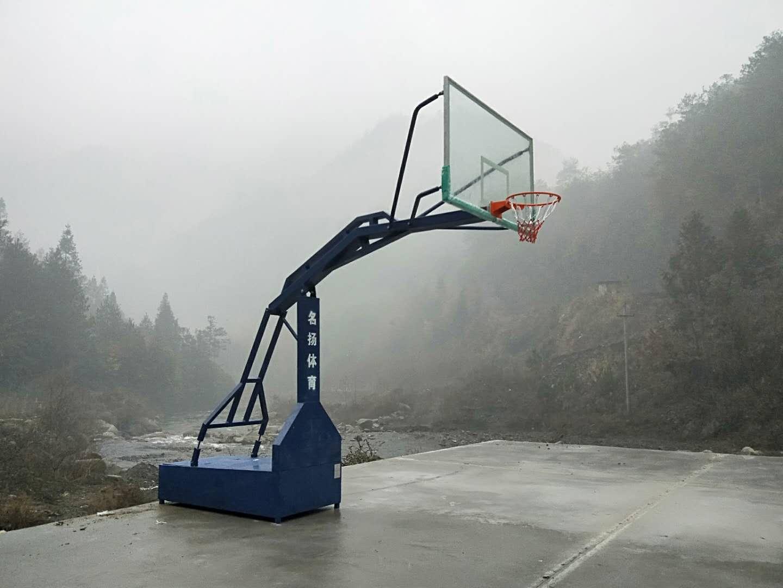 资源篮球架安装完成