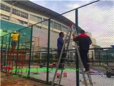 桂林理工大学3500平米硅PU球场的围网工程