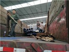 广西名扬体育厂家大量批发篮球架装车图