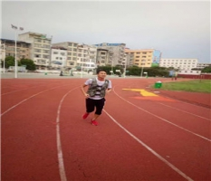 广西柳州名扬体育厂家专业为你铺装硅PU地板