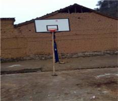 广西桂林临桂南边山镇钱村村委刘家村安装篮球架