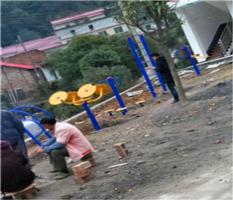 桂林市临桂上全村委上塘村室外健身器材安装